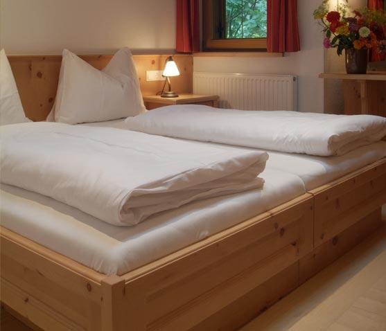 g stezimmer eng alm das almdorf mitten im karwendel. Black Bedroom Furniture Sets. Home Design Ideas